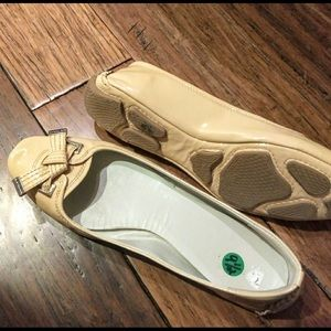 Tahari patent driving loafer flats 9.5 EUC